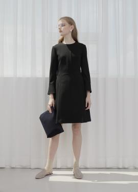 ◆ Long Sleeve Flare Simple Dress