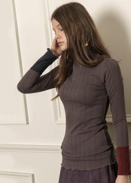 [5%할인/CAHIERS] Two-tone cuff turtleneck sweater_TAUPE