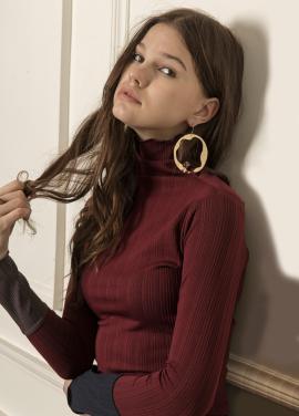 [5%할인/CAHIERS] Two-tone cuff turtleneck sweater_BURGUNDY